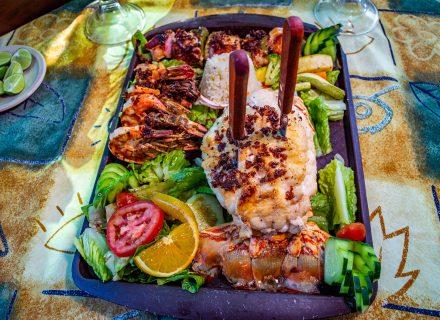 queso-mariscos-camarones-ensalada-pescado-restaurante-puerto-vallarta